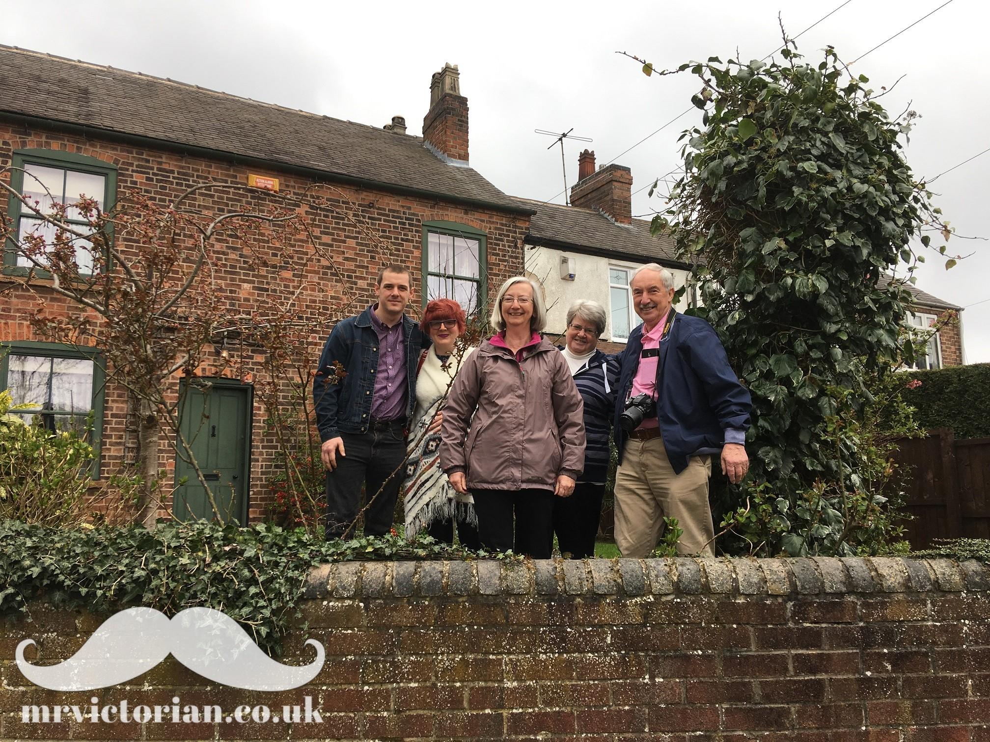 Descendants Robinson Mr Victorian house 2018