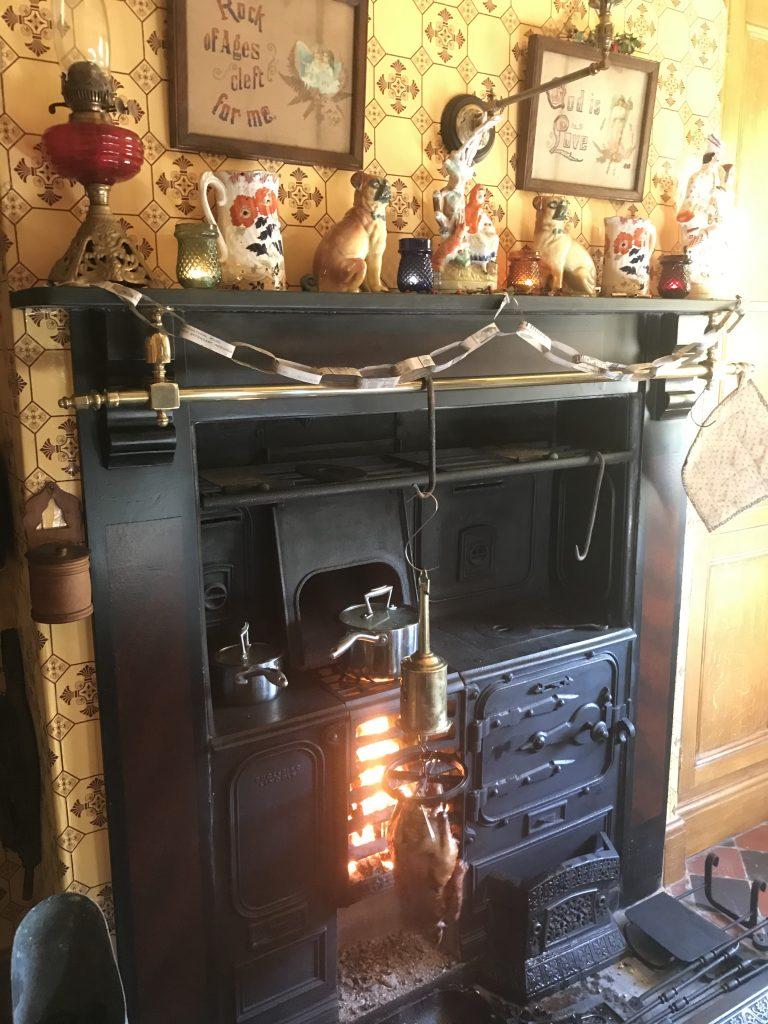 Victorian cast iron range cooking duck bottle jack